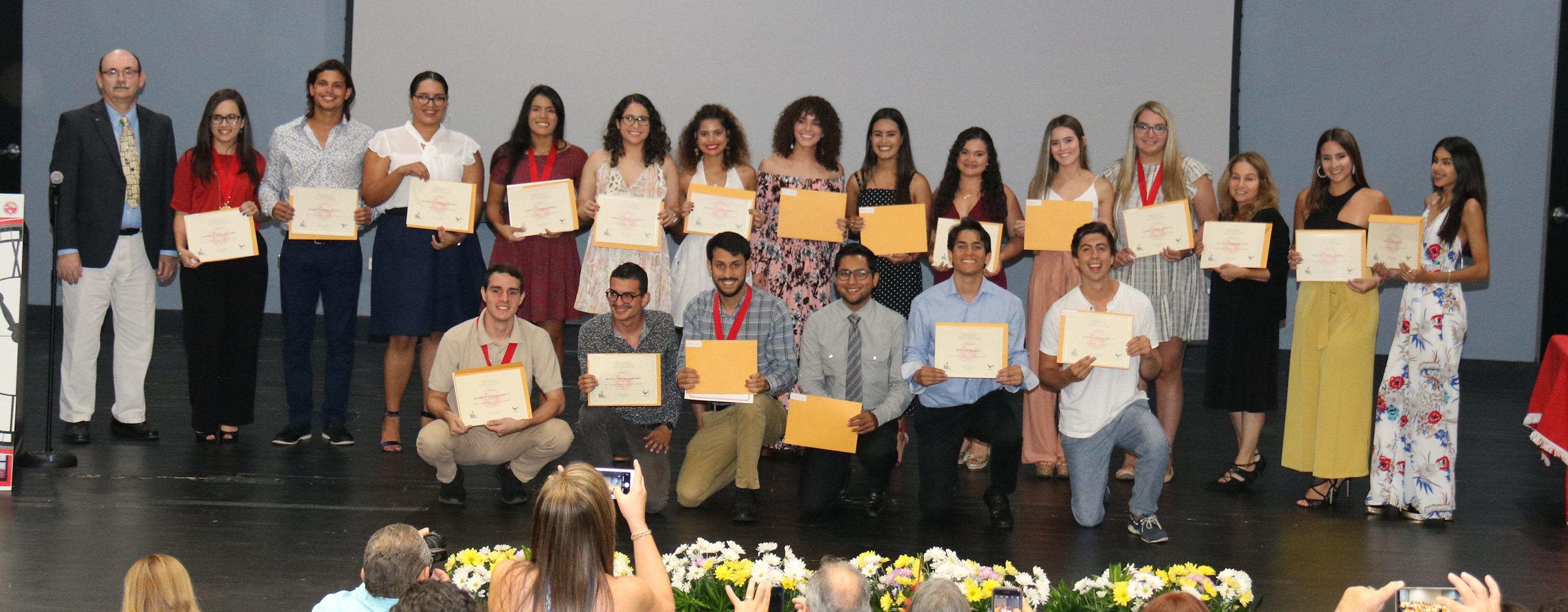 Cuadro Honor Facultad de Ciencias Naturales-3